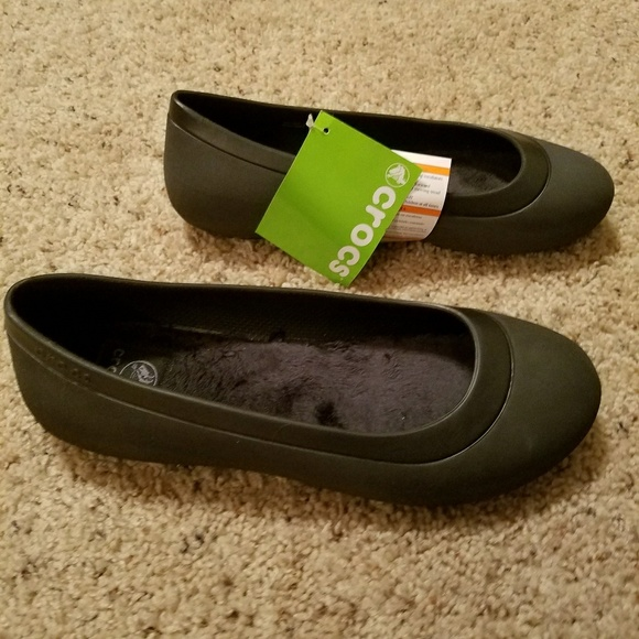a6b46b4c9c586 CROCS Mammoth Flat Rexaxed Fit Shoes